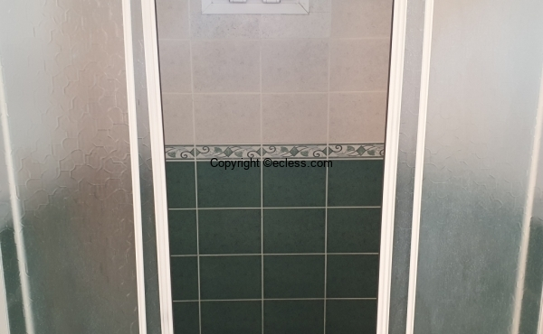 Parents Bathroom@Shower